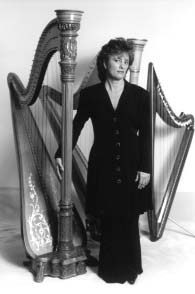 Michelle and her harps before a wedding - 24812 Bytes
